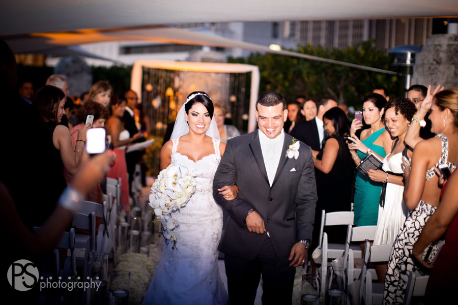 copyright PS Photography | www.PSphotography.net | Miami Wedding Photography | Miami Tower Wedding